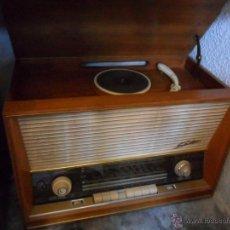 Radios antiguas: RADIO - TOCADISCOS AÑOS 50 - 60 DE LA CASA SABA. Lote 43427357
