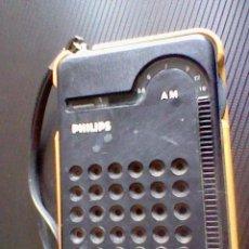 Radios antiguas: RADIO TRANSISTOR ANTIGUO PHILIPS RL 047 FUNCIONANDO *C23. Lote 43480688