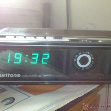 Radios antiguas: RADIO RELOJ DESPERTADOR AURITONE 1977AM-FM LUZ REGULABLE ACABADO EN MADERA. Lote 43496272