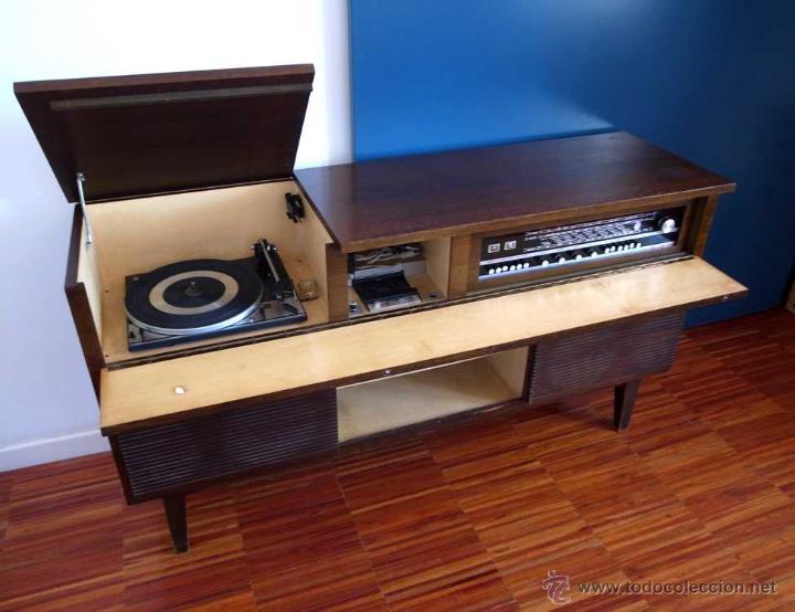 Mueble tocadiscos radio y cassette vica rg 87 comprar radios transistores y pick ups en - Muebles anos 60 ...