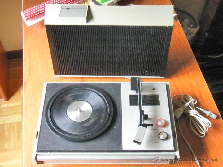 TOCADISCOS COSMO A2250 FUNCIONANDO (Radios, Gramófonos, Grabadoras y Otros - Transistores, Pick-ups y Otros)