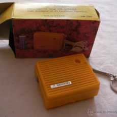 Radios antiguas: ANTIGUA MICRO RADIO LLAVERO ALTA SENSIBILIDAD MOD-7007 TANTRON NUEVA EN SU CAJA SIN USAR - C 36. Lote 44112325