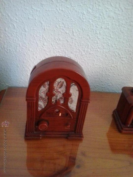 TRANSIISTOR EN FORMA DE RADIO ANTIGUO (Radios, Gramófonos, Grabadoras y Otros - Transistores, Pick-ups y Otros)