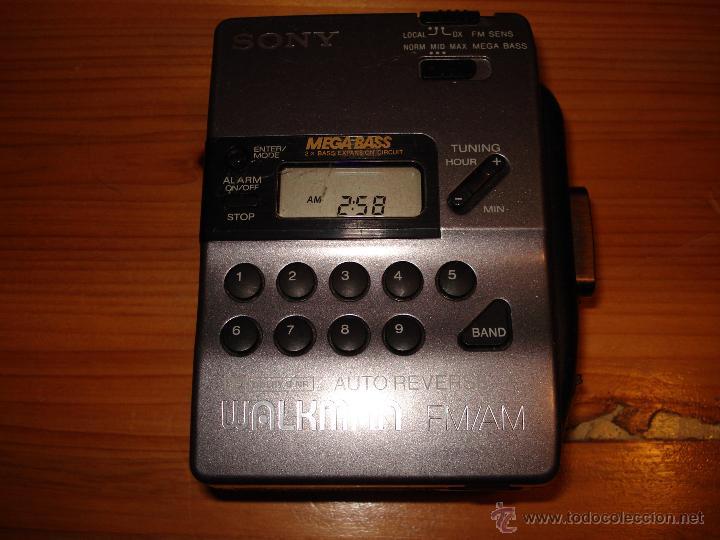 Usado, WALKMAN AM/FM SONY MEGABASS WM FX-43 -PRESENTA AVERIA EN CASSETTE- NO REPRODUCE REBOBINA SIEMPRE segunda mano