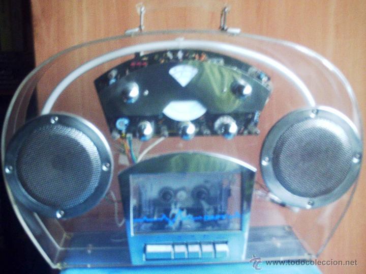 Radios antiguas: Radio caset trasparente con luz de neón - Foto 2 - 46530426