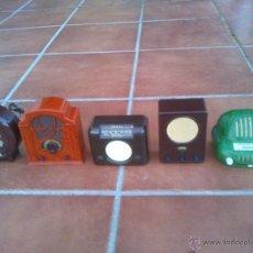 Radios antiguas: REPLICAS EN MINIATURA.EKCO.ALLOCCHIO BACCHINI,BUSH,ROLAND BRANDT,SONORETTE.CON TELA .POCO USO.. Lote 46894995