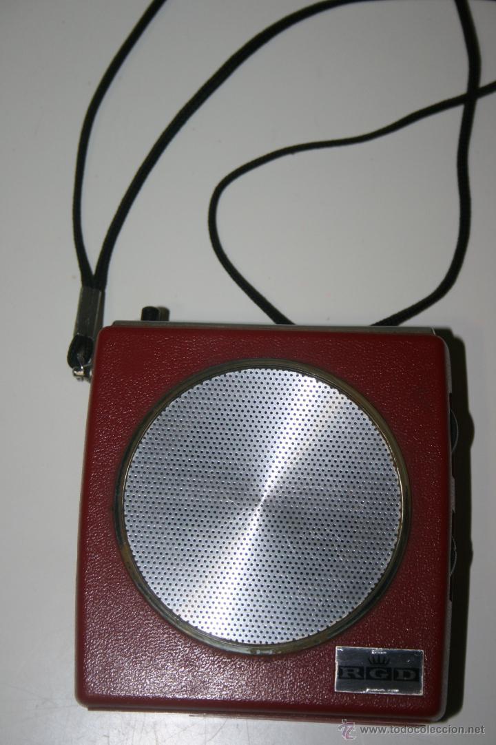 ANTIGUA RADIO TRANSISTOR RGD. ESTILO VINTAGE 9 X 9 X 3 CMS. FUNCIONA (Radios, Gramófonos, Grabadoras y Otros - Transistores, Pick-ups y Otros)
