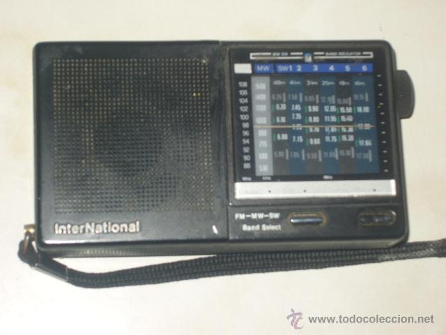 Radios antiguas: RADIO TRANSISTOR INTERNACIONAL.FUNCIONANDO. - Foto 2 - 47771411