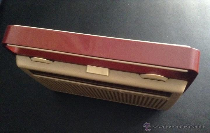 Radios antiguas: preciosa radio portatil años 60 vintage grundig z nr 1084 - Foto 3 - 48110917