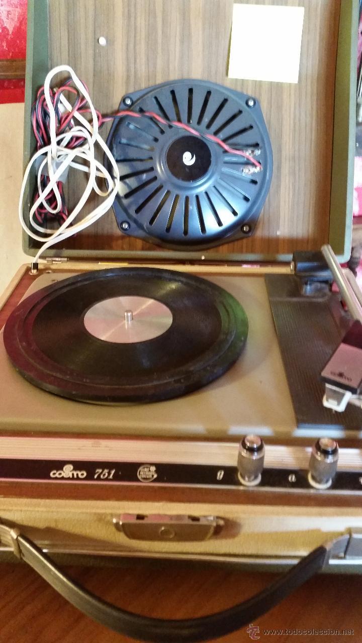 TOCADISCOS PORTATIL (Radios, Gramófonos, Grabadoras y Otros - Transistores, Pick-ups y Otros)