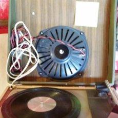 Radios antiguas: TOCADISCOS PORTATIL. Lote 50023706