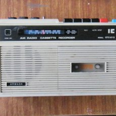 Radios antiguas: RADIO CASSETTE MARCA IC MADE IN JAPAN ESTROPEADA. Lote 50040735