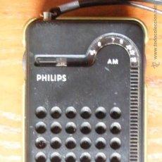 Radios antiguas: RADIO TRANSISTOR PHILIPS RL-047 RL 047 FUNCIONANDO BIEN. Lote 50993265