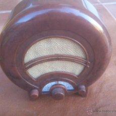 Radios antiguas: REPRODUCCION RADIO EKCO AD36 UK 1935 MINIATURA MADE IN PRC. Lote 51176353