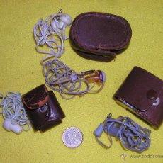Radios antiguas: LOTE DE CUATRO ANTIGUOS AURICULARES MONO TRES EN FUNDA DE PIEL ORIGINAL Y UNO SUELTO . Lote 51743268