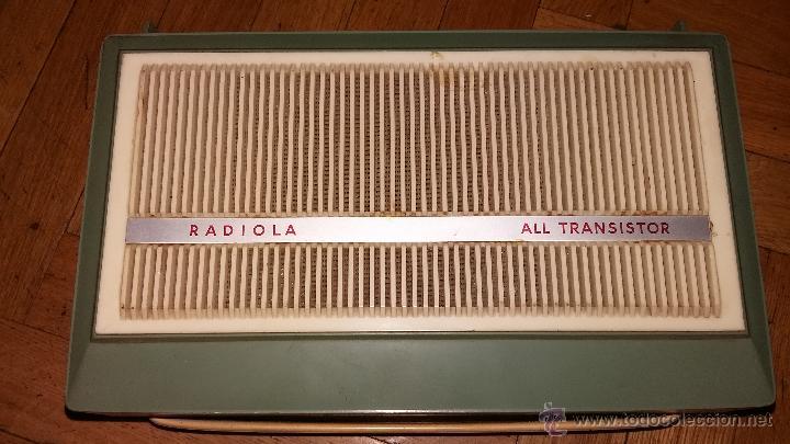 TOCADISCOS RADIOLA PORTATIL (Radios, Gramófonos, Grabadoras y Otros - Transistores, Pick-ups y Otros)