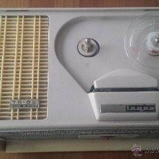 Radios antiguas: MAGNETOFÓN INGRA TR-65. CON TOMA DE CORRIENTE ORIGINAL Y MICROFONO.. Lote 53471099