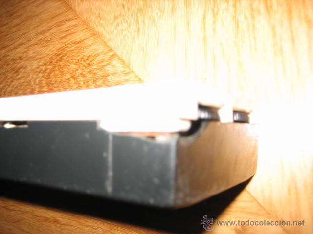 Radios antiguas: Pequeño transistor con reloj marca Waltham Standard - Foto 6 - 44736970