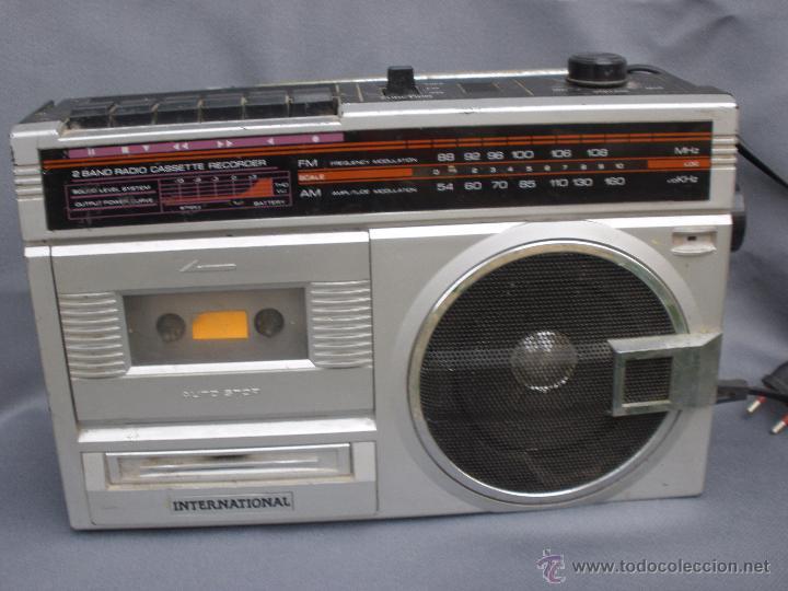 RADIOCASSETTE MAGNETOFÓN INTERNATIONAL RADIO VINTAGE RETRO (Radios, Gramófonos, Grabadoras y Otros - Transistores, Pick-ups y Otros)