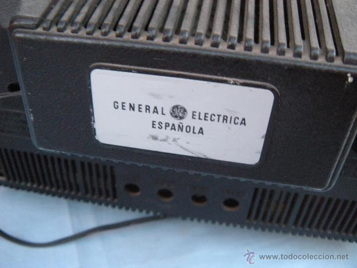Radios antiguas: TELEVISOR PORTATIL GENERAL ELECTRICA ESPAÑOLA - Foto 2 - 53809960
