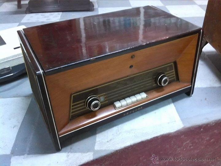 RADIO TOCADISCOS PHILIPS (Radios, Gramófonos, Grabadoras y Otros - Transistores, Pick-ups y Otros)