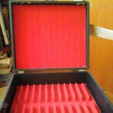 Radios antiguas: MALETIN PARA GUARDAR CD. Lote 52304780