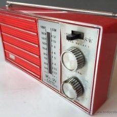 Radios antiguas: RADIO TRANSISTOR DE BOLSILLO O DE MANO VINTAGE COLOR ROJO. Lote 54729676