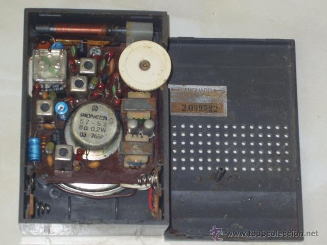 Radios antiguas: RADIO VANGUARD,MODELO MINI SAMOS,FABRICADO EN ESPAÑA.AÑOS 60. - Foto 4 - 54905474