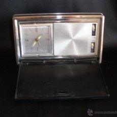 Radios antiguas: RADIO RELOJ MELATRON MUY VINTAGE DE SOBREMESA. Lote 54974111