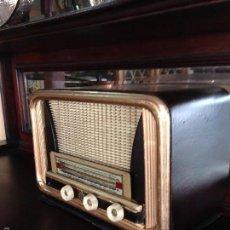 Radios antiguas: RADIO ANTIGUA AÑOS 40. Lote 55131168