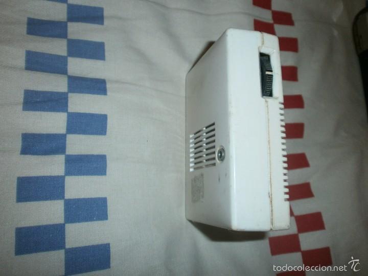 Radios antiguas: Radio transistor de bolsillo grundig micro boy 300 funcionando - Foto 2 - 55810711