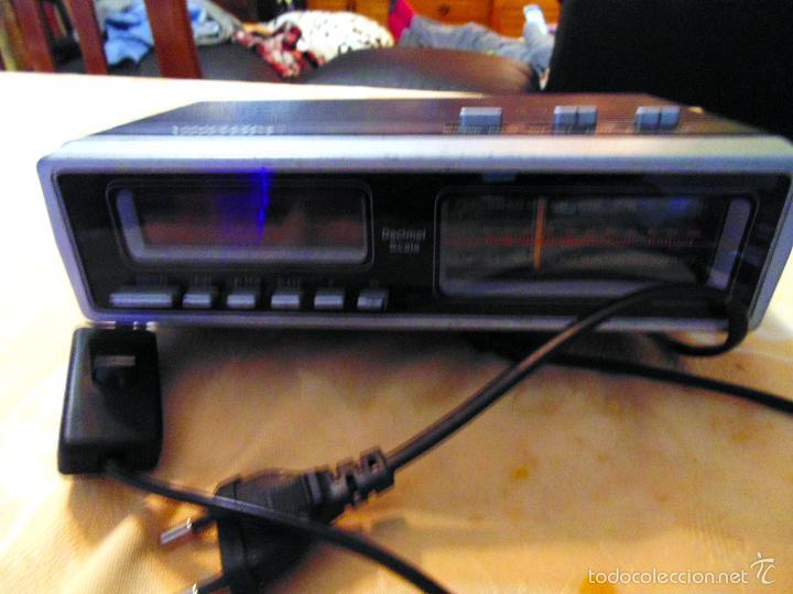 RADIO DESPERTADOR MARCA - VHOOM - MODELO AÑOS 80. PERFECTO ESTADO. (Radios, Gramófonos, Grabadoras y Otros - Transistores, Pick-ups y Otros)