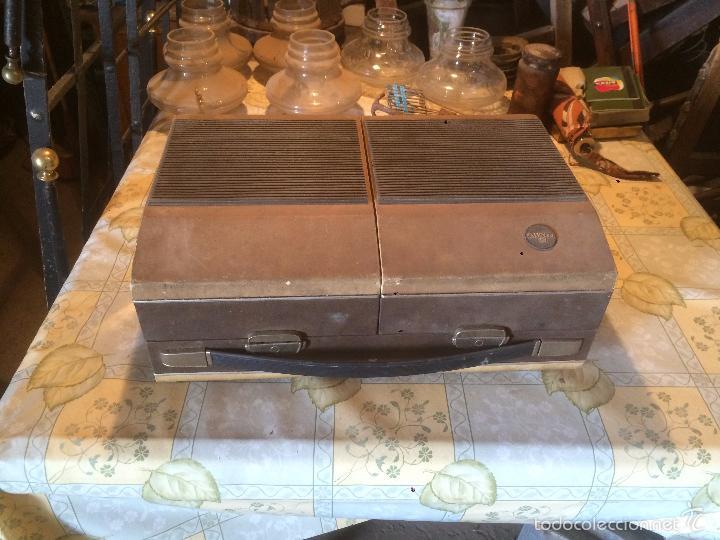 Radios antiguas: Antiguo tocadiscos de maleta Marca Cosmo, años 70- 80 - Foto 11 - 57610596