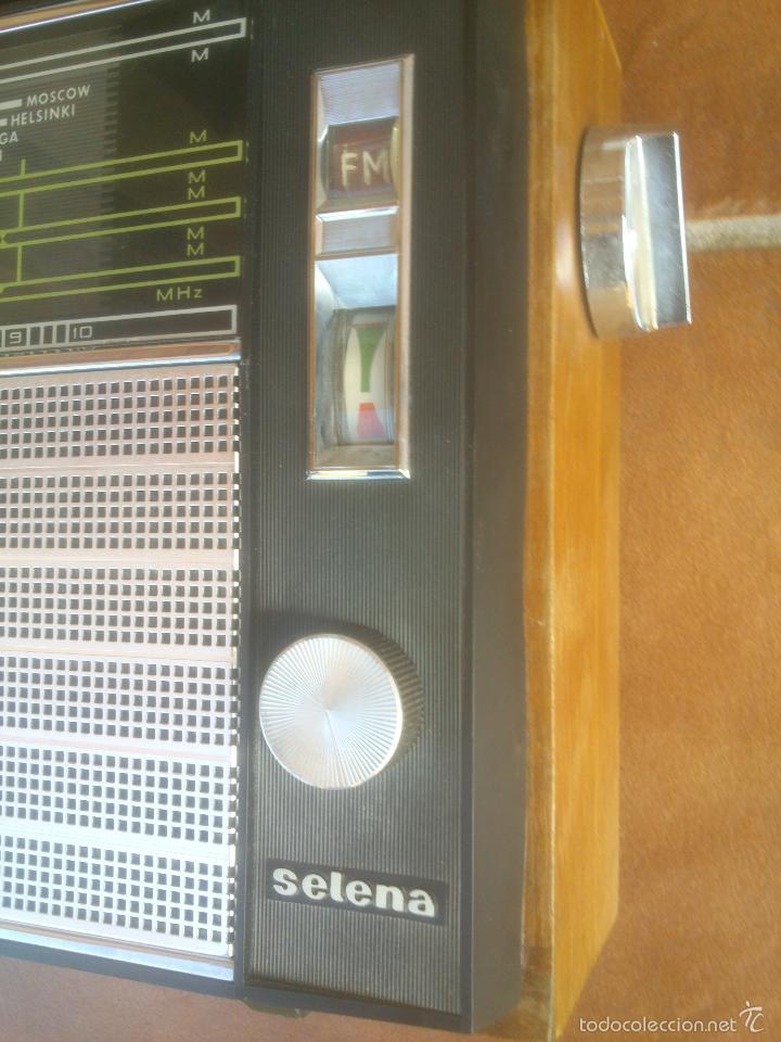 Radios antiguas: RADIO MULTIBANDAS SELENA UNION SOVIETICA - Foto 2 - 57977675