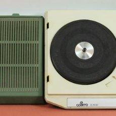 Radios antiguas: GIRADISCOS A PILAS. PICK-UP. MARCA COSMO. MODELO A-2030. CIRCA 1970.. Lote 58362582