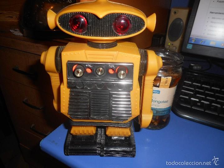 CURIOSO ROBOT RADIO (Radios, Gramófonos, Grabadoras y Otros - Transistores, Pick-ups y Otros)