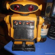 Radios antiguas: CURIOSO ROBOT RADIO. Lote 58454797