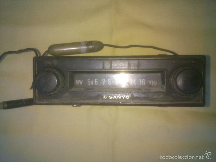 RADIO DE COCHE ANTIGUA VINTAGE SANYO (Radios, Gramófonos, Grabadoras y Otros - Transistores, Pick-ups y Otros)