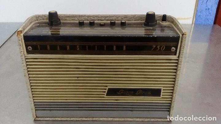 RADIO TRANSISTOR ANTIGUA PIZON BROS TRANSLITOR 750 FUNCIONANDO 26 CMS. DE ALTO X 18 DE LARGO (Radios, Gramófonos, Grabadoras y Otros - Transistores, Pick-ups y Otros)