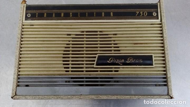 Radios antiguas: RADIO TRANSISTOR ANTIGUA PIZON BROS TRANSLITOR 750 FUNCIONANDO 26 CMS. DE ALTO X 18 DE LARGO - Foto 3 - 63656751