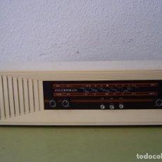 Radios antiguas: RADIO UNIVERSUM CARCASA DE MADERA MOD. W501. Lote 64496827