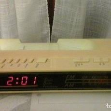 Radios antiguas: ANTIGUO RADIO RELOJ DIGITAL. Lote 64870399
