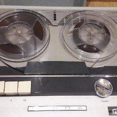 Radios antiguas: MAGNETÓFONO INGRA AM 55 / HACE FALTA REPASO. EL MOTOR FUNCIONA PERO NO ARRASTRA LA CINTA.. Lote 65456298