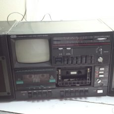 Radios antiguas: RADIO CON TELEVISIÓN MARCA GP EXPECTACULAR. Lote 65933225