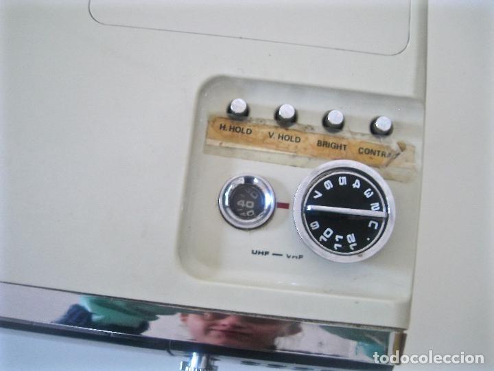 Radios antiguas: ANTIGUA TELEVISIÓN - RADIO PORTATIL - SIN PROBAR - Foto 7 - 68174057