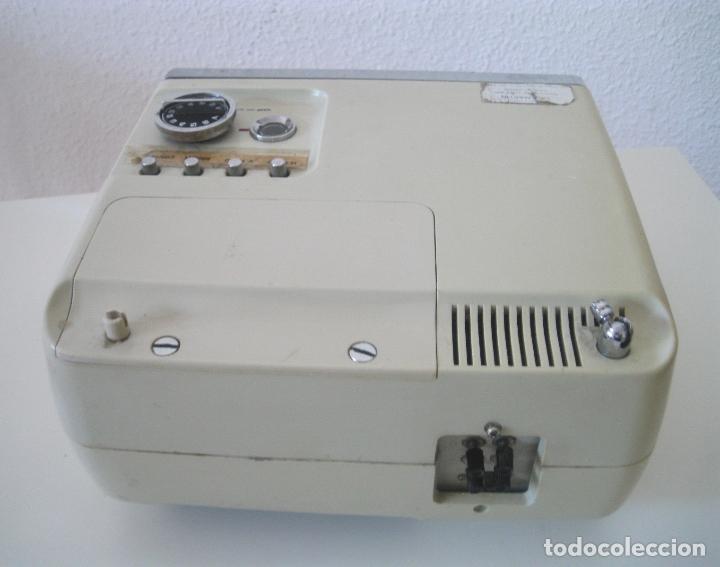 Radios antiguas: ANTIGUA TELEVISIÓN - RADIO PORTATIL - SIN PROBAR - Foto 8 - 68174057
