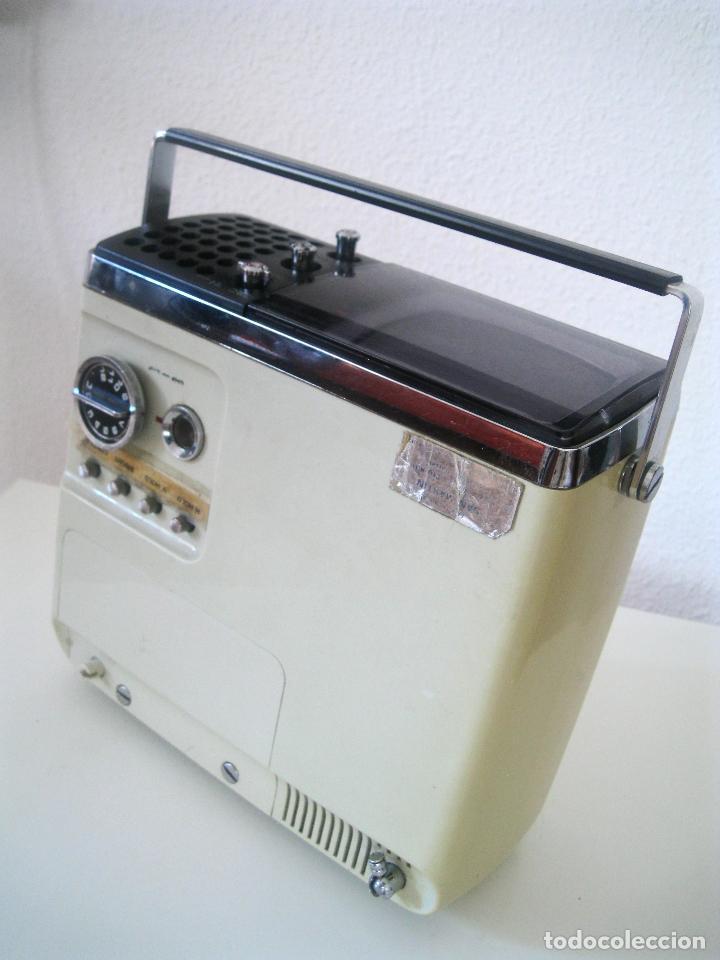 Radios antiguas: ANTIGUA TELEVISIÓN - RADIO PORTATIL - SIN PROBAR - Foto 13 - 68174057