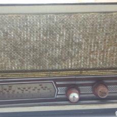 Radios antiguas: RADIO ANTIGUA VINTAGE AÑOS 60 SIN MARCA. Lote 71717673