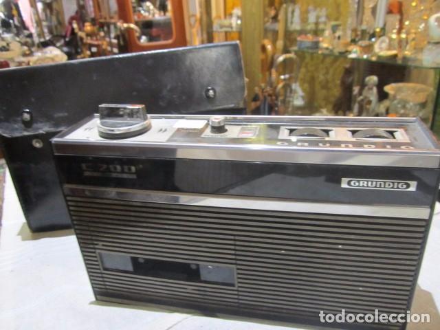 CASSETTE GRUNDIG C200. MEDIDAS: 25 X 7 X 15 CMS. ALTURA. INCLUYE FUNDA. (Radios, Gramófonos, Grabadoras y Otros - Transistores, Pick-ups y Otros)