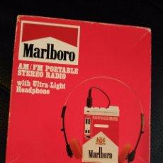 Radios antiguas: RADIO PUBLICITARIA DE MARLBORO, EN CAJA SIMULANDO UN PAQUETE DE TABACO DE LA MARCA. Lote 74318043